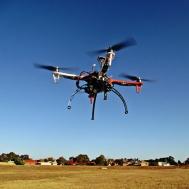 Puszczanie dronów TestMirror.pl